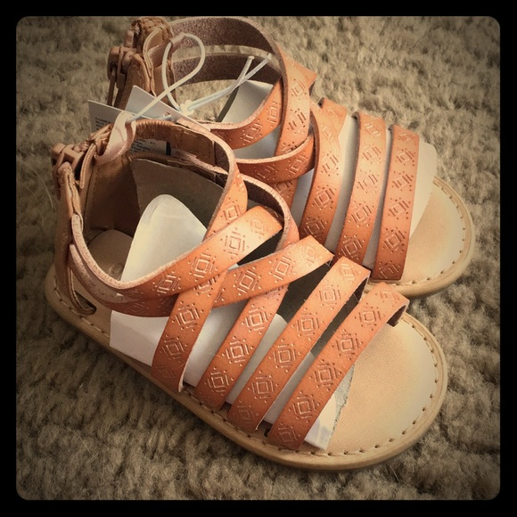 6294e8525cf NWT Old Navy gladiator sandals shoes toddler 5 NEW